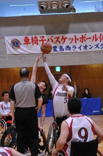 コラム56 車椅子バスケ1.jpg