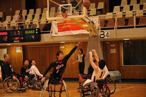 コラム56 車椅子バスケ4.jpg
