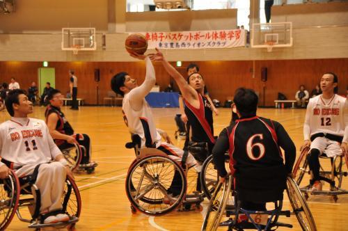 コラム56 車椅子バスケ6.jpg