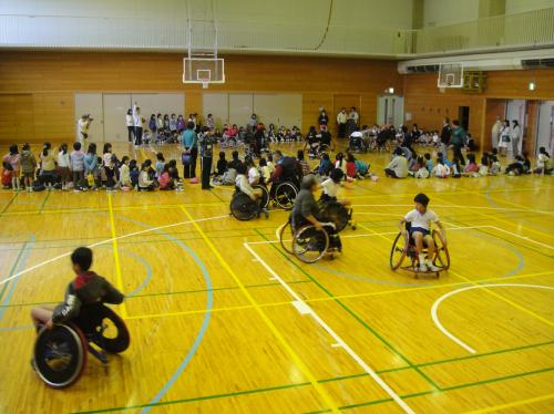 変換?コラム50 車椅子バスケットボール体験学習2.jpg